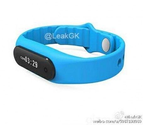 Xiaomi Mi Band 2 appare in foto