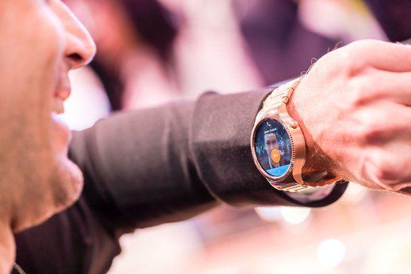 Huawei Fit ufficiale, smartwatch con display E-Ink e funzioni fitness