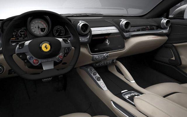 Ferrari GTC4Lusso (3)