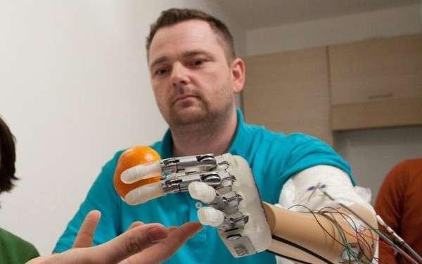 dito bionico