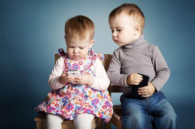 tecnologia bambini smartphone