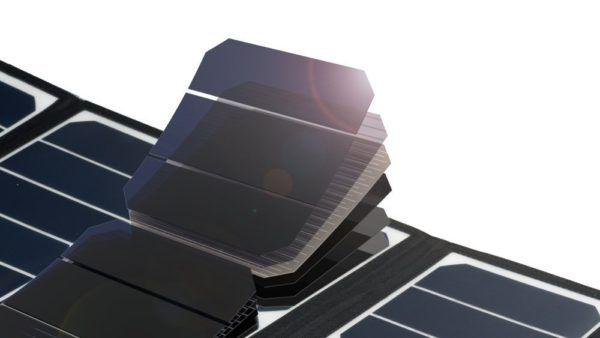 RAVPower 24W Caricabatterie Solare con 3 porte USB, la recensione (1)