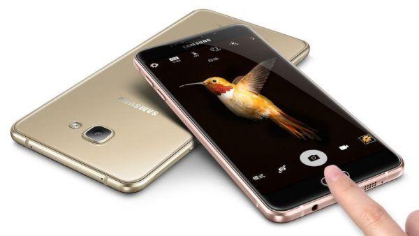 Samsung potrebbe svelare due smartphone pieghevoli entro il 2017