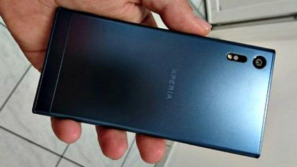 Sony Xperia F8331 trapela nuovamente in alcuni render ufficiosi