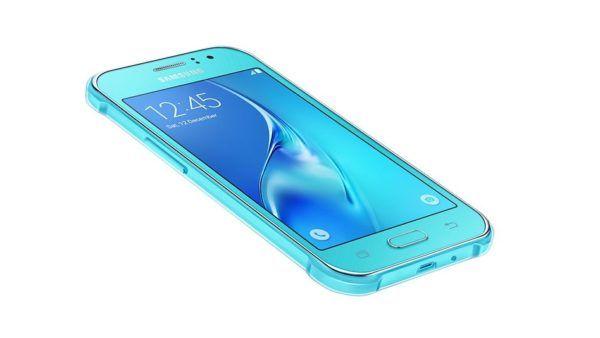 Il Samsung Galaxy J1 Ace Neo nella colorazione Blue