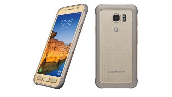 Samsung Galaxy S7 Active nella colorazione Gold