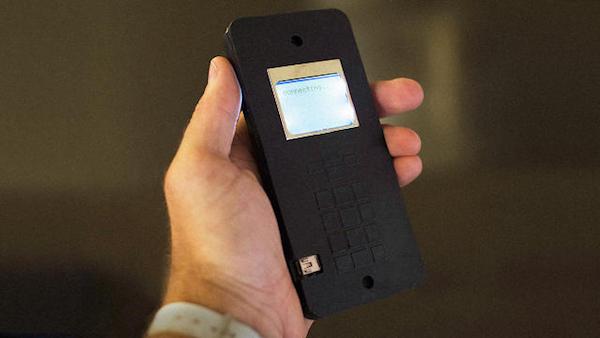 Cellulare MIT