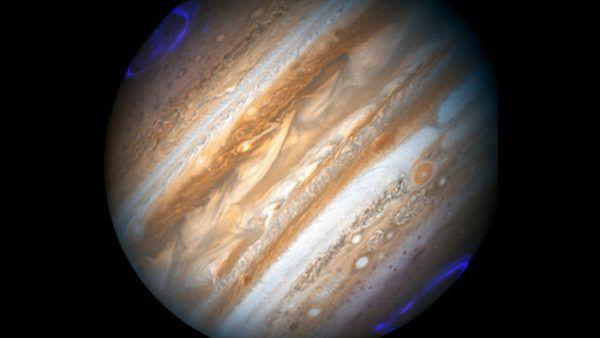 Spazio, Juno e le aurore di Giove: le prime immagini della sonda