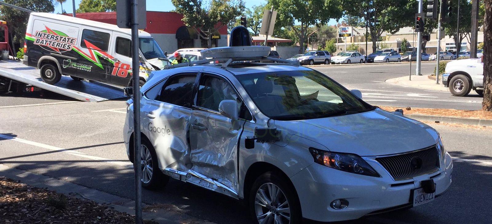 Auto a guida autonoma di Google vittima di un pericoloso incidente