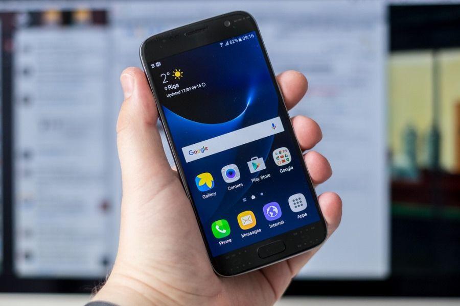 Samsung Galaxy S8 Rumors: potrebbe avere il display curvo in entrambe le versione