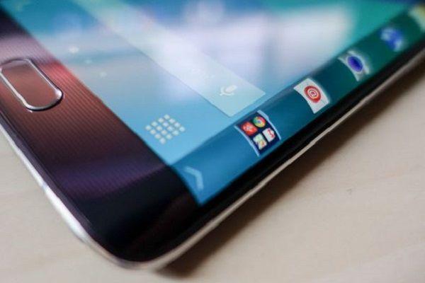 Mi Note 2: il 25 ottobre prossimo Xiaomi presenterà un nuovo device curvo