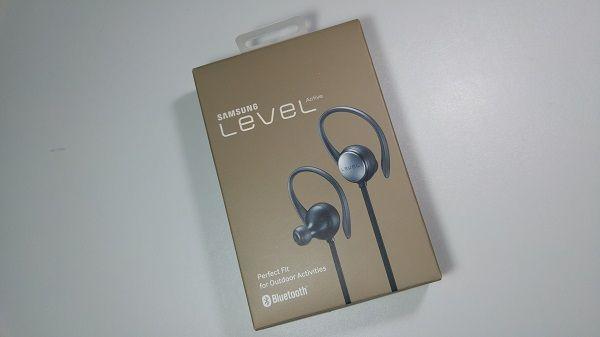 Confezione Samsung Level Active