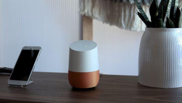 Google Home si presenta: siete pronti a rendere smart la vostra casa?