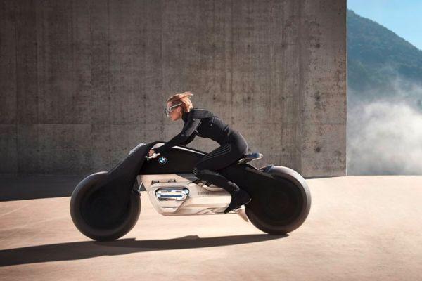 BMW Motorrad Vision Next 100: la moto del futuro che si guida senza casco