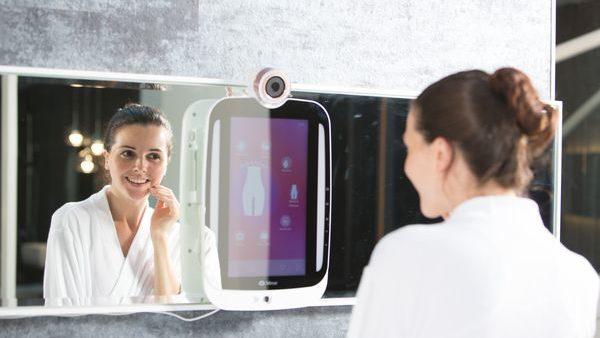 himirror specchio