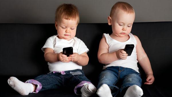 bambini-smartphone.jpg
