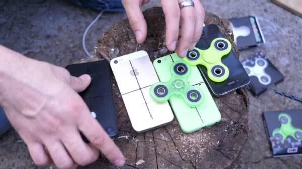 iPhone utilizzati come antistress: ecco come avere un Fidget Spinner da 800€