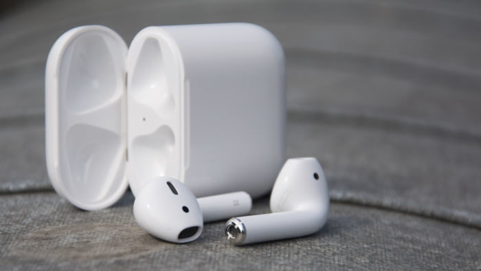 Apple AirPods: Amazon Italia propone una interessante offerta