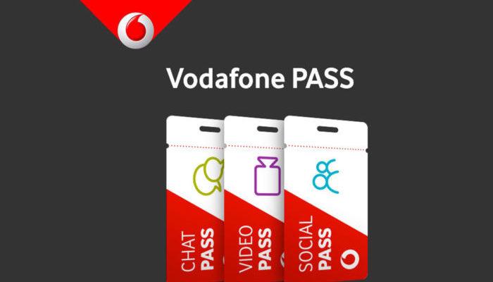Vodafone per Natale regala 3 promozioni Gratis e con Giga illimitati
