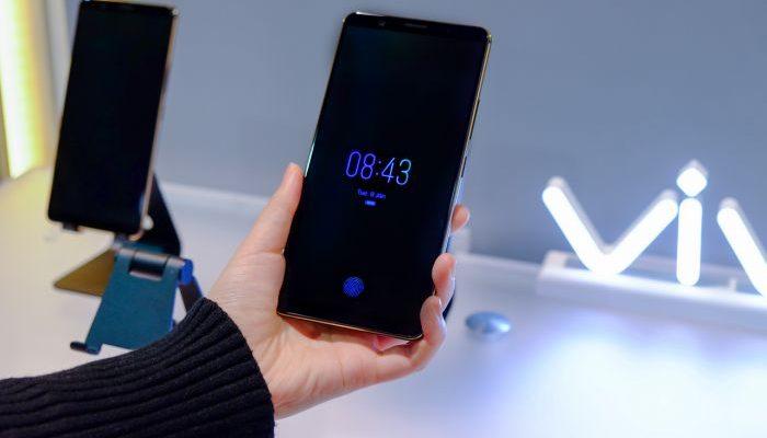 Vivo X20 Plus UD primo smartphone con lettore impronte sullo schermo