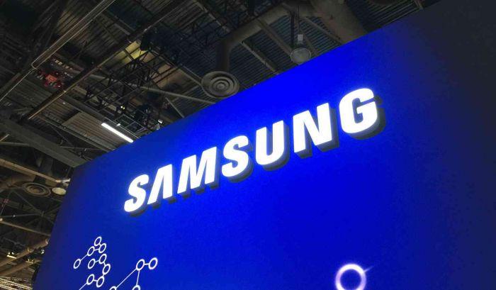 Samsung abbandona ufficialmente il 2017 e regala il suo top di gamma