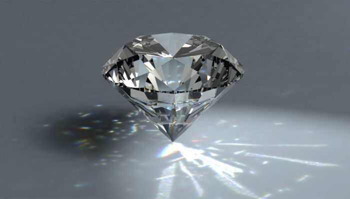 Smartphone più resistenti con il vetro diamante