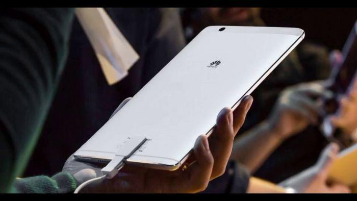 LG V30s: l'azienda mostrerà il suo smartphone AI al MWC 2018