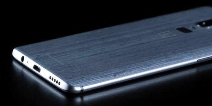 OnePlus 6, pannello posteriore in legno