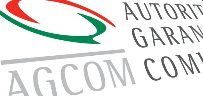 L'AGCOM si è pronunciata con fermezza contro il sovrapprezzo imposto da Vodafone. Era l'unica compagnia in Italia ad applicarlo ma non sarà più così.