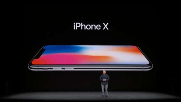Apple, gli iPhone vendono meno del previsto