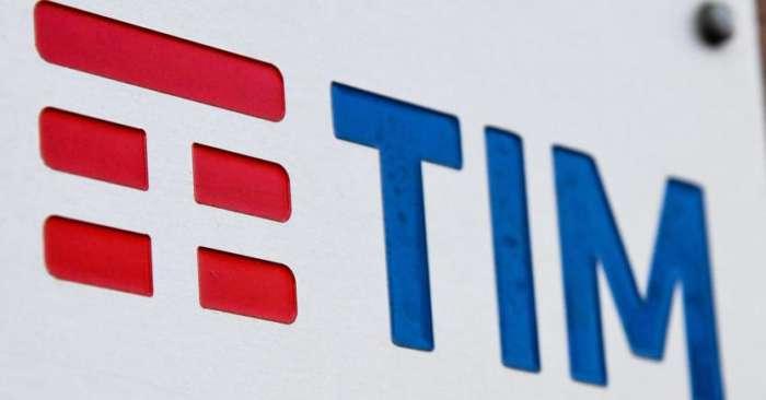 TIM batte Vodafone e gli ruba gli utenti con la nuova offerta: 30GB e minuti illimitati
