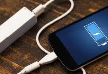 Caricare lo smartphone senza rovinare la batteria