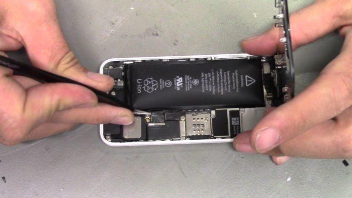 Apple è in difficoltà nella sostituzione della batteria di iPhone