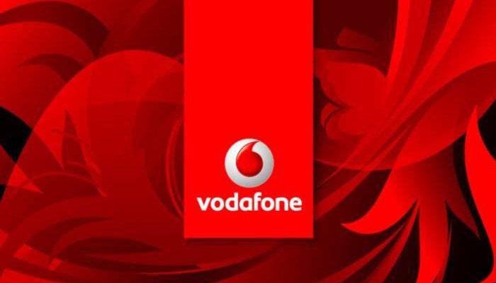 Passa a Vodafone: scontro con TIM grazie alla nuova Special 30GB a 10 euro