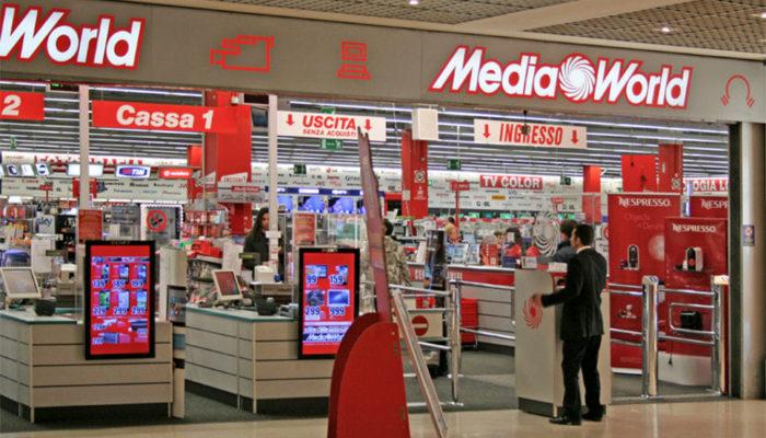 Volantino MediaWorld con le offerte TV Mania sconfigge ...