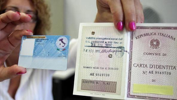 Carta d'identità: gli utenti sono infuriati, incredibile problema sul nuovo modello