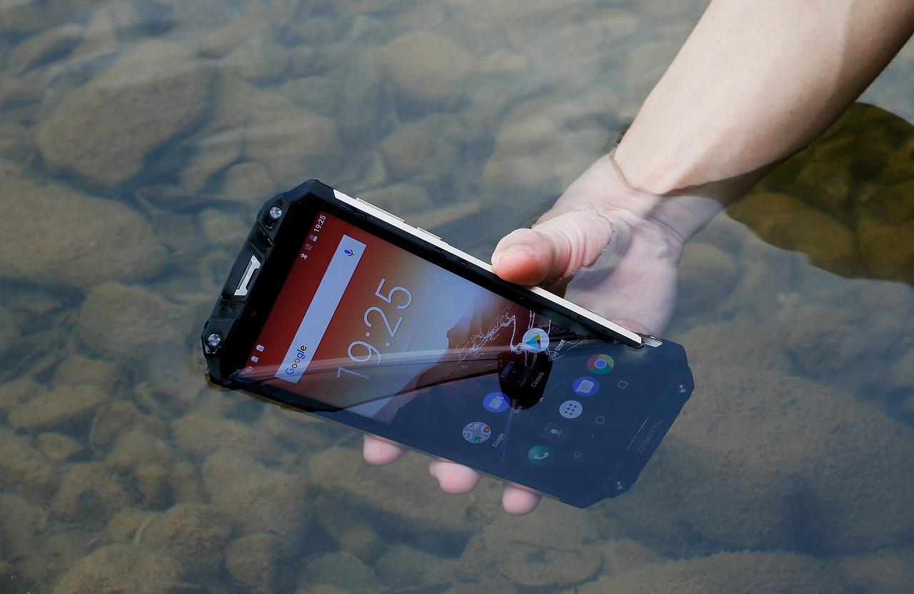 OUKITEL WP2: il nuovo Rugged Phone con ben 10000 mAh di batteria