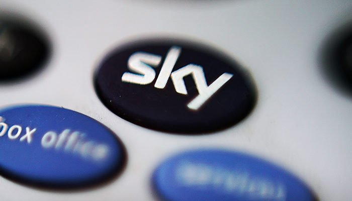Sky offre i suoi abbonamenti nuovi con la Champions in regalo, ecco i prezzi