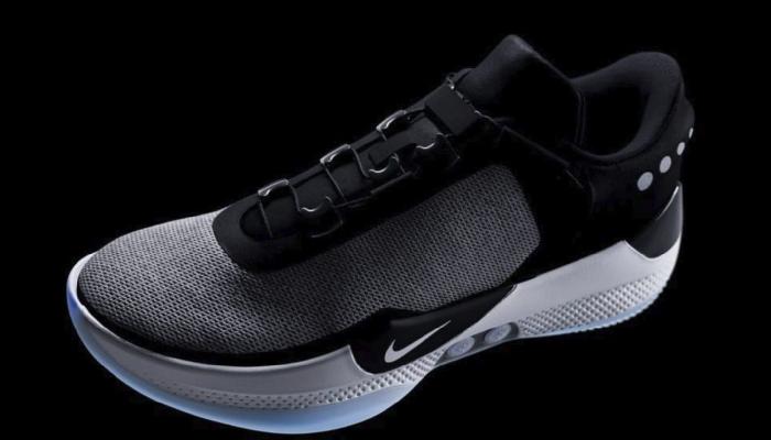 meet 88275 21fe4 Nike Adapt: le scarpe che si allacciano da sole non funzionano