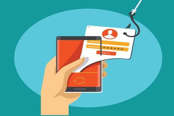 WhatsApp: clienti Vodafone presi di mira, conti correnti a