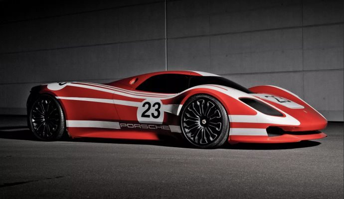 Porsche Taycan, nel cassetto già 20.000 preordini