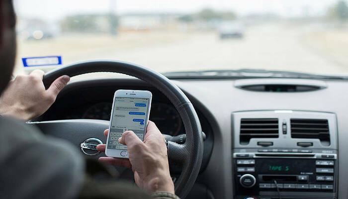 smartphone-al-volante