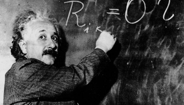 einstein teoria della relatività