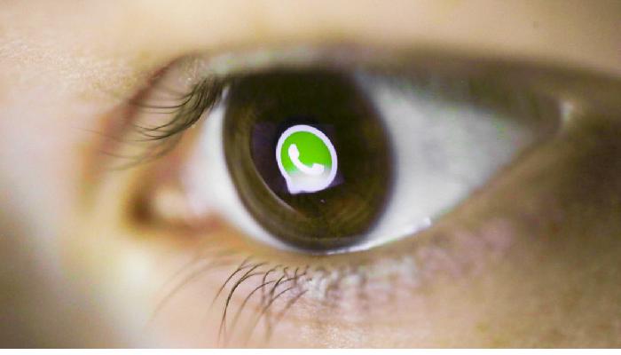 WhatsApp accesso chat con impronta