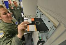 testate nucleari gestite da un floppy disk da 8''
