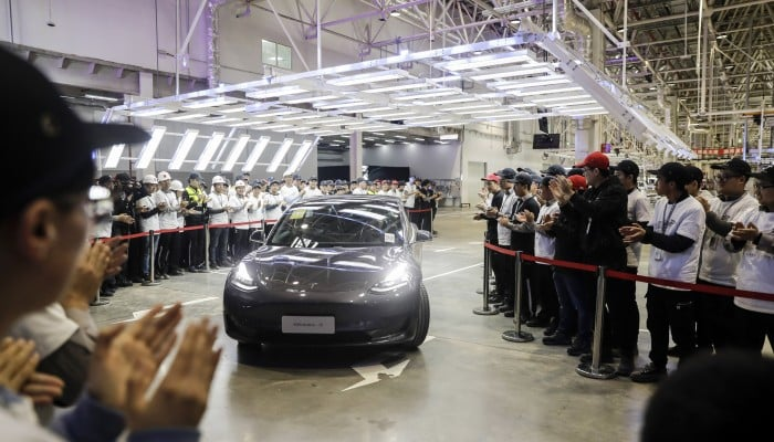 tesla-hacker-ricompensa-model-3-auto-soldi-pwn2own-evento