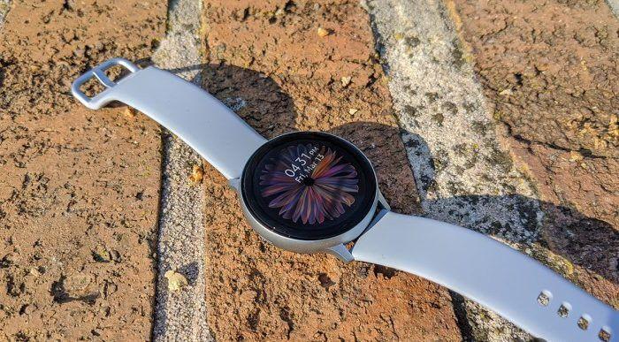 Galaxy Watch Active 2: ritardata ancora la funzionalità ECG