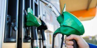 carburante prezzo benzina e diesel in calo