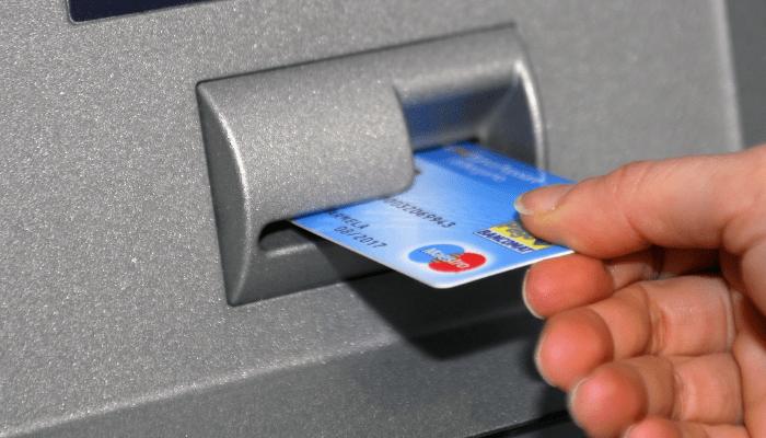 Sondaggio: è sbagliato abbassare il limite dei contanti a 2.000 euro