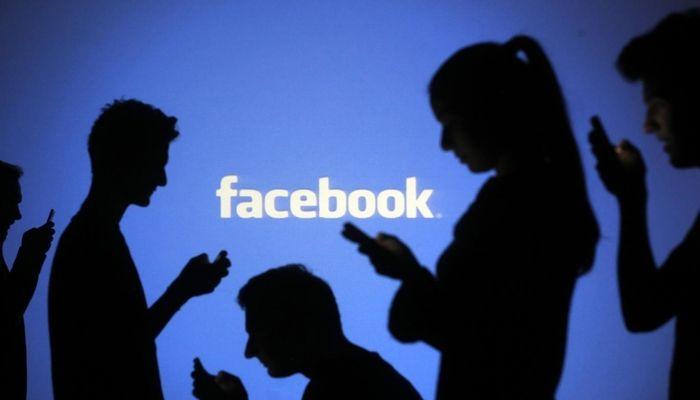 Facebook avverte se si condividono notizie vecchie